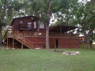 Lil' Ponderosa Luxury Home Rental on the Guadalupe, Canyon Lake