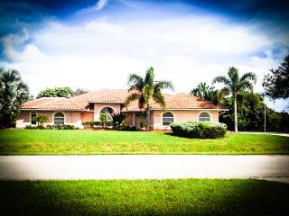 1200 Kingswood  Fort Pierce 3/2/2   Pool & Jacuzzi