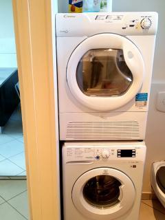 Lave-linge et sèche-linge séparé