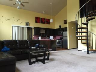 Sunny, Cozy, Big, 2500 SQ.FT. Gated Community, Bushkill