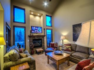 Luxury At The Cascades - Book 4 Nights Get 1 Free!, Steamboat Springs