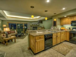 Luxury Near Base Area - Book 4 Nights Get 1 Free!, Steamboat Springs
