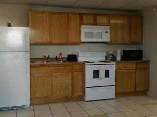 Studio Apt Facing Florida Bay Full Kitchen 4plex, Key Largo