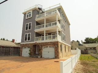 Ocean Block Amazing 8BR Family Rental Sleeps 20, Rehoboth Beach