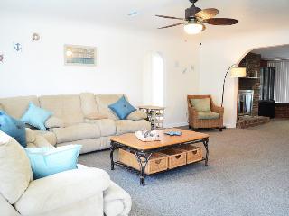 Jan/Feb  $pecial  Pool Home #2836 Steps To Beach., Daytona Beach
