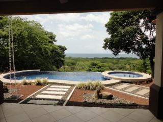 Casa Lasky - Villa with Unobstructed view, Playa Hermosa