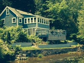 Saratoga Springs, Lakefront Cabin