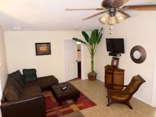 Nice Home - 4 Bedroom 3 Full Bath, Palatka