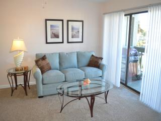 Casual Beach Elegance Townhouse--Just Steps to the Beach-SUPER CLEAN