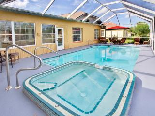 Elegant 4BR Recently Renovated Cape Coral House w/Wifi, Pool Table & Private