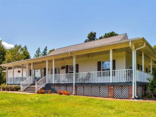New Listing! Peaceful & Secluded 2BR Whiteville Home w/Large Private Porch, Serene Pasture Views & Horse Boarding Facilities - Easy Access to Golf, Myrtle Beach & Wilmington!