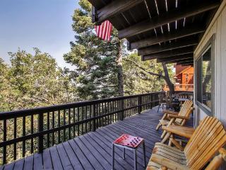 Lake Arrowhead Family Cabin w/Game Room, Mtn Views