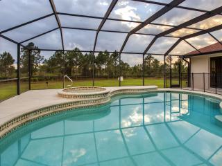 Idyllic 6BR Punta Gorda House on 5 Acres w/Wifi, Private Pool, Pond & Huge Yard - Prime Location in Prairie Creek Park! Minutes to Beaches, Historic District & Natural Attractions!