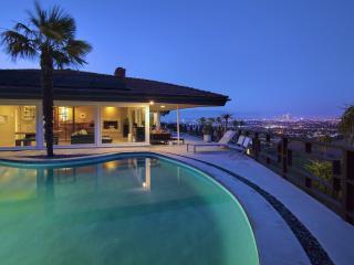 Private Los Angeles Villa: Amazing Views & Pool!, Los Ángeles