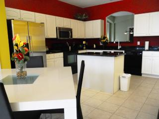 ✧Near to All Orlando Parks and Attractions! - 7BR Spacious Villa✧