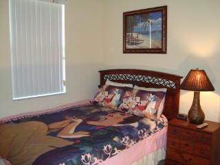 2nd room w/Queen bed & Disney theme bedding