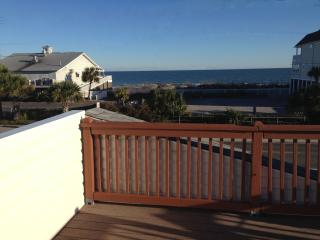 Unique 2 Family Home  Ocean View - Sleeps 13, Surfside Beach