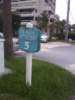 Free beach parking signs