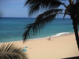BEACHFRONT and AFFORDABLE CONDO Makaha Oahu Hawaii
