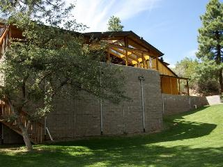 Beautiful 6,000  Sq. Ft. Cabin, 6 Bd 4.25 Bath, Prescott