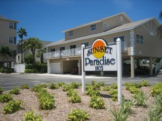 Gulfside 2 Br / 2.5 Ba Condo, Indian Rocks Beach