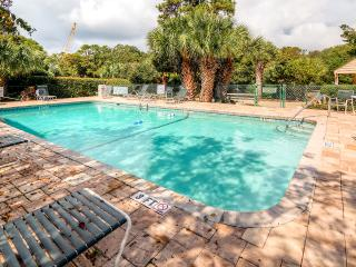 Pristine & Clean 2BR Hilton Head Island Condo! Nice patio & WiFi - Walking Distance to the Beach, 4 Swimming Pools & More