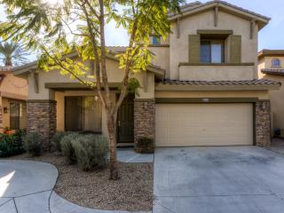 Delightful 3BR Chandler House w/Spacious Patio & Gas Grill - Walk to Restaurants, Golf & More!
