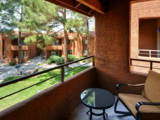 Spacious 2BR Phoenix Condo w/Pool & Hot Tub Access