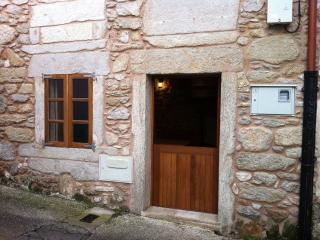 Rustic House in Corme, Corme-Puerto