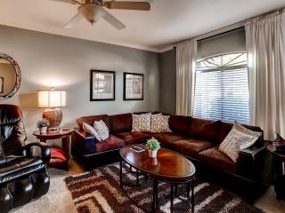 Quiet 1BR Scottsdale Condo w/Wifi, Mountain Views & Great Resort Amenities - Conveniently Located Near the 101 Freeway, Spring Training & More!