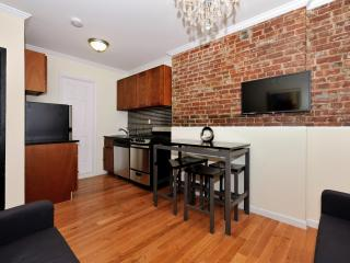 Lovely 2 Bedroom Super LOW Winter Monthly Rates!!, New York City
