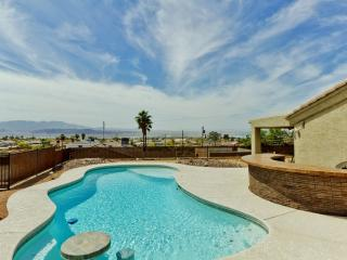 Contemporary 4BR Lake Havasu House w/Private Outdoor Pool, Wifi & Full Lake Views - Close to Shops, Restaurants, London Bridge & Downtown!, Lake Havasu City