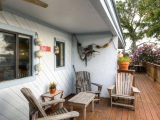 2BR Cedar Key Duplex House w/Dock & Ocean Views