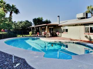 3BR Phoenix House w/ Pool - Near Everything!