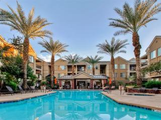 1BR Phoenix Condo w/ Citi on Camelback Amenities!
