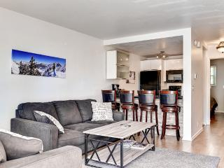 Upscale 3BR Park City Condo w/Modern Decor, Wifi & Gorgeous Views  - Prime Location, Only 100 Yards from the Base of Park City Mountain Resort!