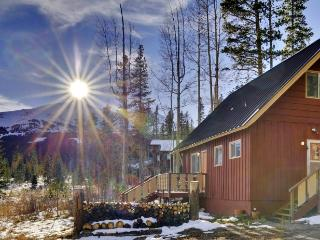3BR Breck House w/ Deck, Mtn. Views & Unbeatable Location!