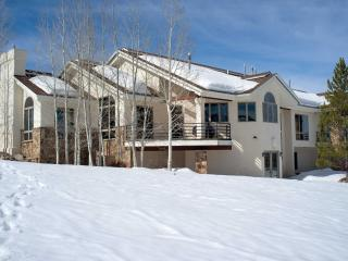 Spacious 4BR Steamboat Springs House Just Above Rita Valentine Park - Perfect for Large Groups & Families