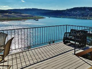Incredible 1BR Spicewood Condo on the Desired South Shore of Lake Travis w/Newly Remodeled Interior, Spacious Deck & Amazing Views - Close to Many Restaurants, Wineries, Pace Bend Park & More!