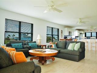 3BR Galveston House w/Large Yard & Beach Access!