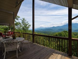 Stay at 'Kindred Spirits'- A Spacious 4BR Gatlinburg Chalet w/ Private Heated Indoor Pool, Theatre & Views of the Smoky Mountains - The Ideal Country Retreat!