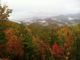 """Stay at """"Kindred Spirits""""- A Spacious 4BR Gatlinburg Chalet w/ Private Heated Indoor Pool, Theatre & Views of the Smoky Mountains - The Ideal Country Retreat!"""
