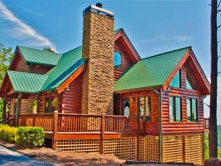 Superb 3BR Dahlonega Cabin w/Deck w/Mtn Views!