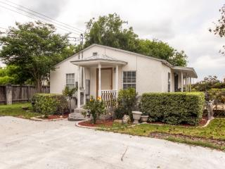NEW! 2BR Corpus Christi Cottage Near Everything!