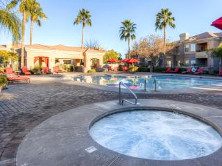 Beautiful Ground-Floor 1BR Corner Unit! Steps away from Heated Pool and Hot Tub. Mesa Condo in Luxury Gated Community w/Private Patio, Wifi & Resort Like Amenities