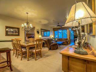 Luxury Champagne Lodge - Book 4 Nights Get 1 Free!, Steamboat Springs
