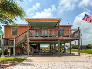 Quiet 3BR Port O'Connor House w/Large Deck, BBQ Pit, Outdoor Shower & Fishing Table - Less Than 2 Miles from the Beach, Fishing Areas & Shops!, Port O'Connor