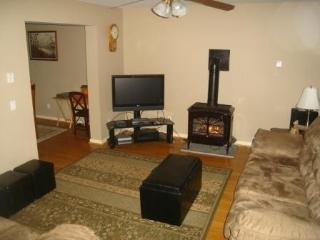 Living room - 37in HDTV and gas fireplace