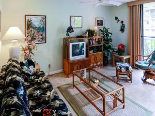New Listing! *SUMMER SPECIAL* Bright & Airy 1BR Oceanfront Condo in Kailua-Kona w/Wifi & Fantastic Complex Amenities – Walk to the Beach & the Village! Close to Snorkeling, Ziplining & More