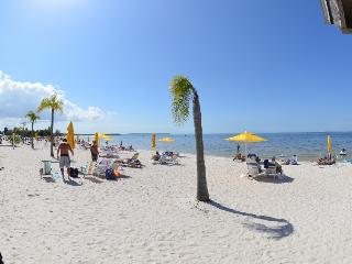 GULF ACCESS  3b.3b.Town House suite U-3238 Private Beach,Tampa Bay.
